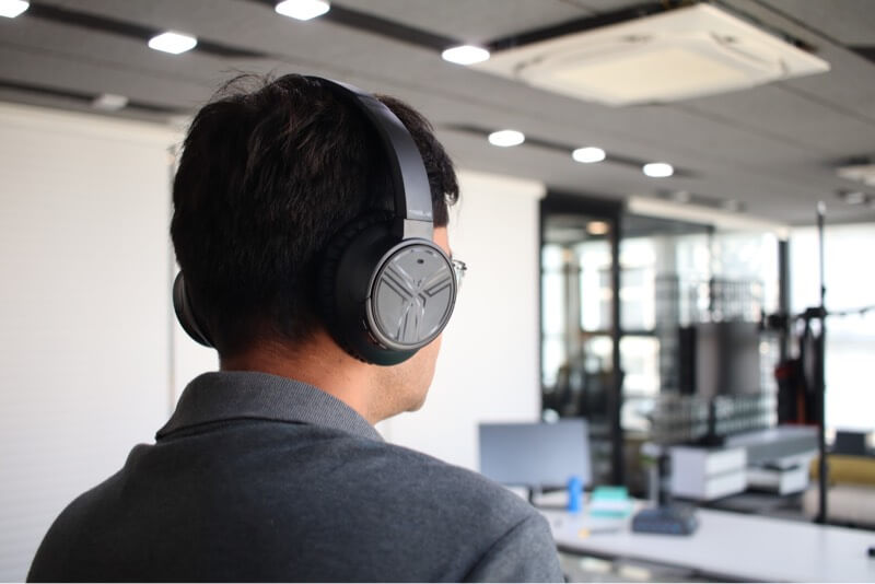 Sound Test on TREBLAB E3 Wireless Headphones