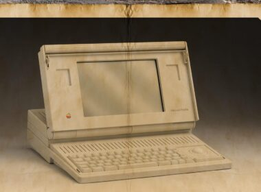 Apple First-Ever Laptop