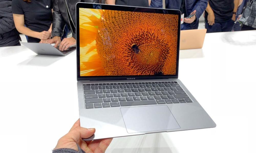 Apple Macbook Air designed by Jony Ive