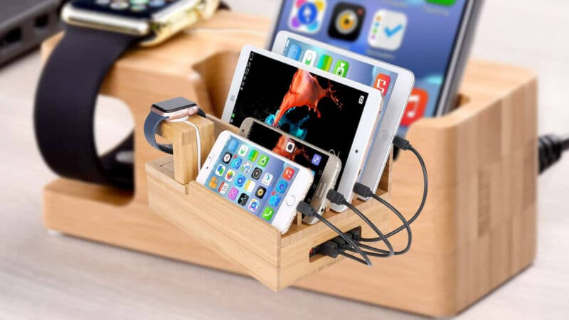 Best Wooden Dockign Stations for iPhone 5, 5s, and iPhone SE