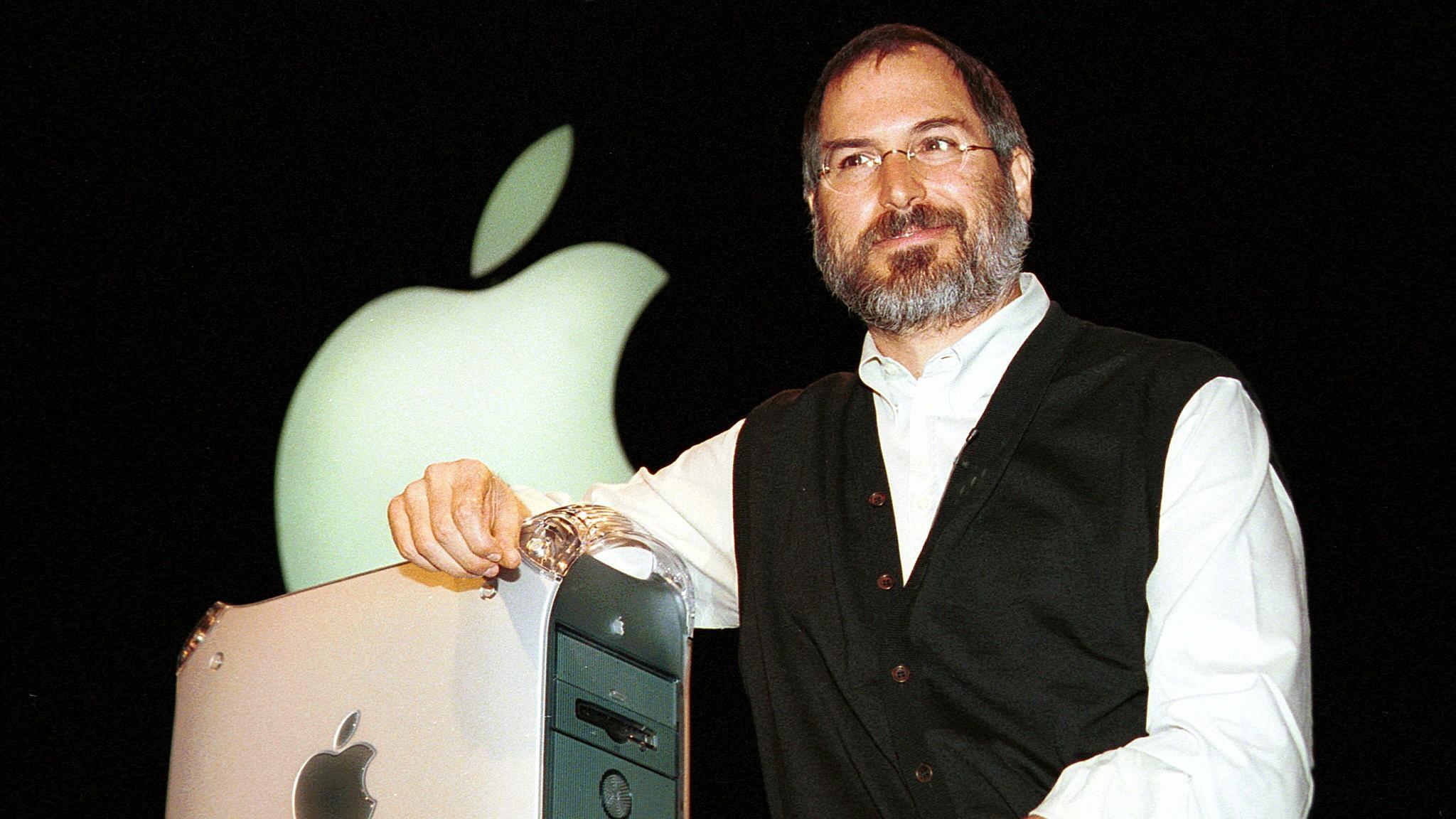 CEO Steve Jobs with keynote presentation