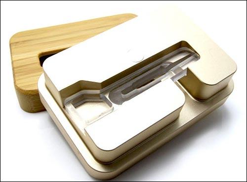 Esimen iPhone Wooden Dock