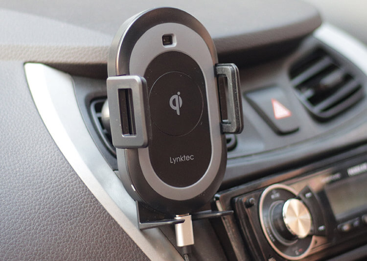 Lynktec Bolt Wireless Car Mount Charger for iPhone X, Xs, Xs Max, and iPhone XR