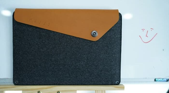 Mujjo Full-grain Leather Sleeve for 13-inch MacBook