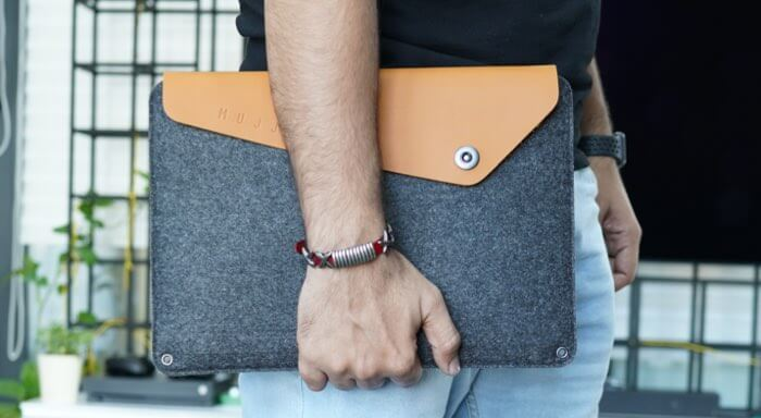 Mujjo Sleeve Crafted using combination of felt and vegetable-tanned leather