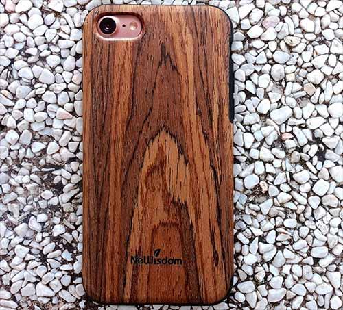 NeWisdom iPhone 7 Wooden Case