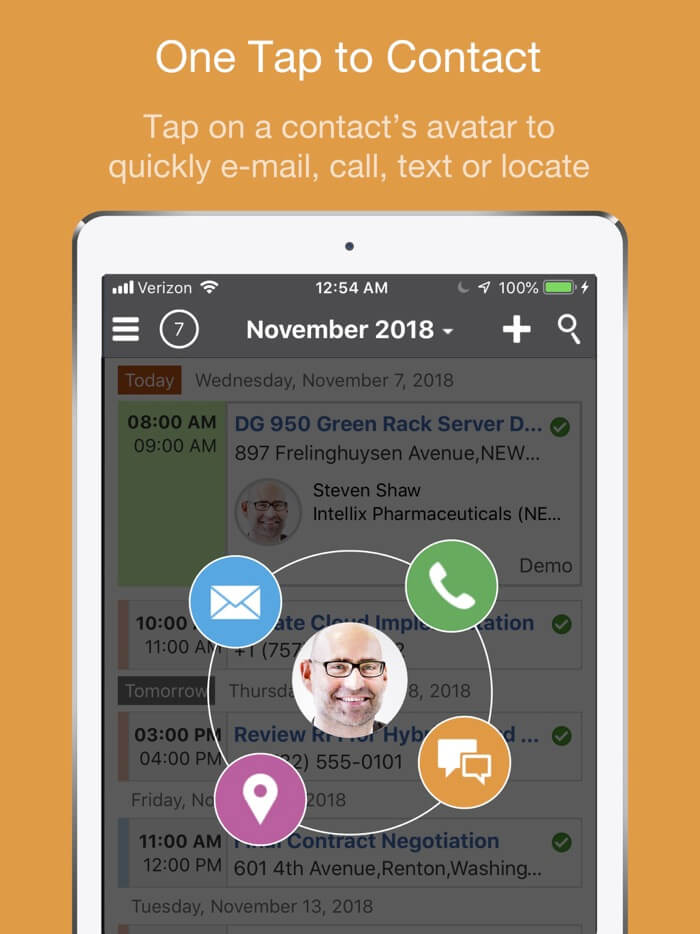 Oracle CX Cloud Mobile iPad App Screenshot