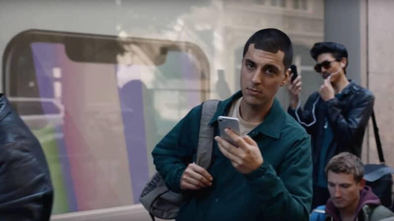 Samsung Trolls Apple iPhone X