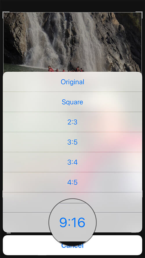 Select the Preferred Crop Size to Automatically Crop Photo on iPhone