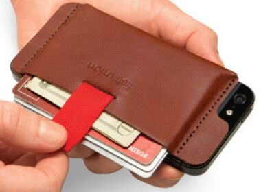 Simple and Functional Card Case for iPhone