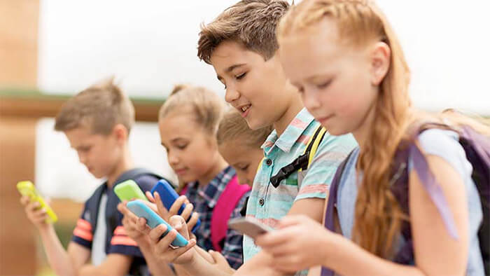Smartphone affect kids Education and Social life