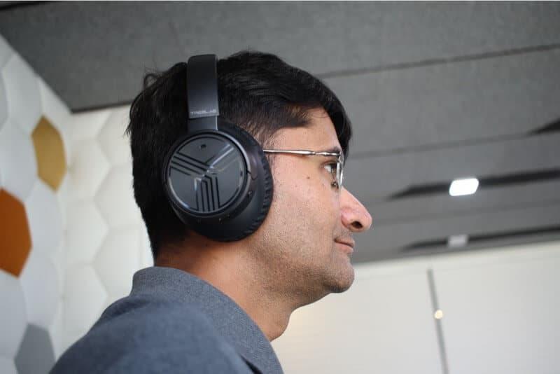 TREBLAB E3 Headphones Comfortably Fits on Ears