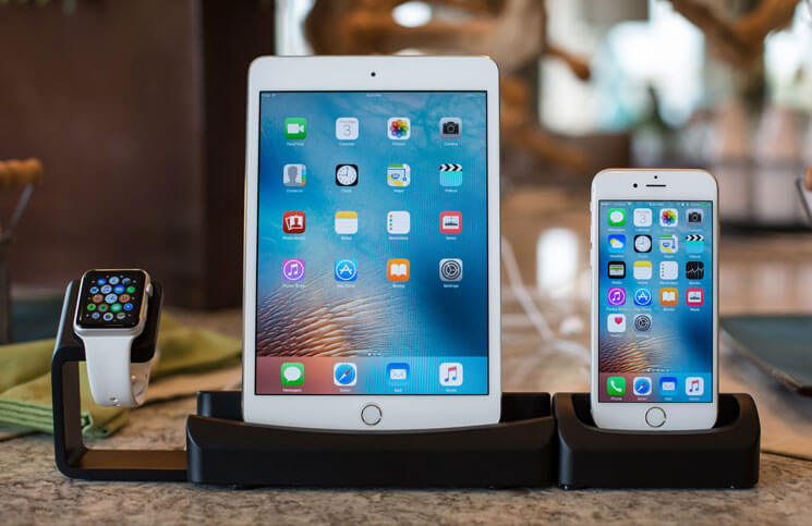Trio Dock - iPhone, iPad and Apple Watch Charging Stand