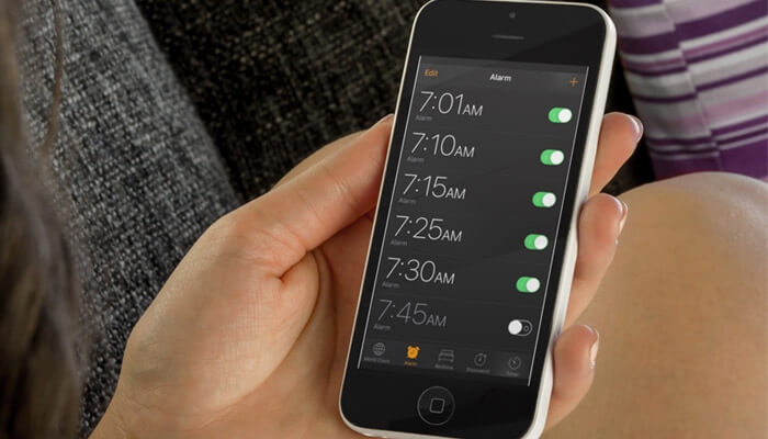 Use Old iPhone as a Alarm clock