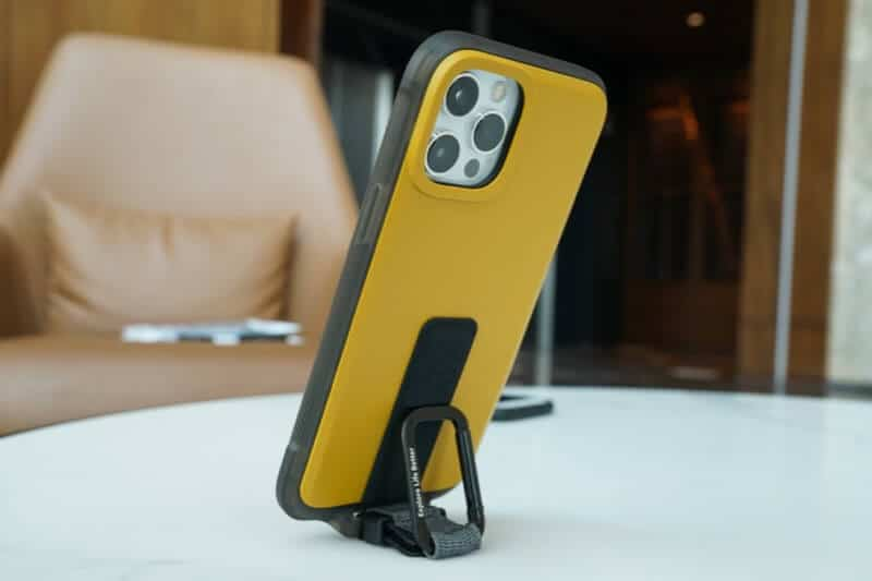 Use bitplay Wander Case as a Phone Stand