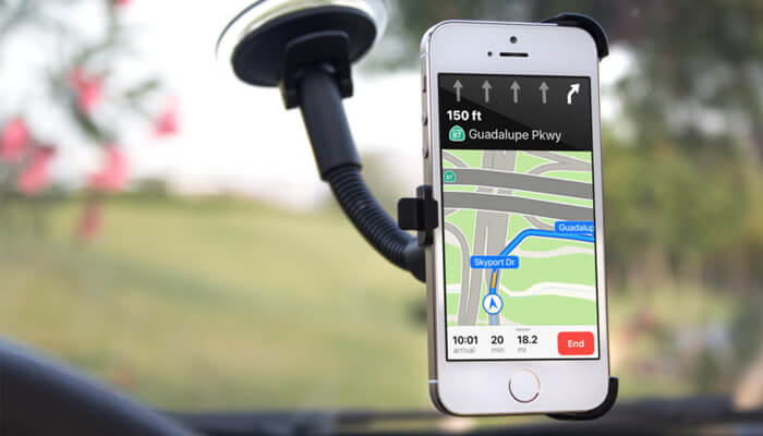 Use old iPhone as a Permanent Media And GPS navigation for your Car