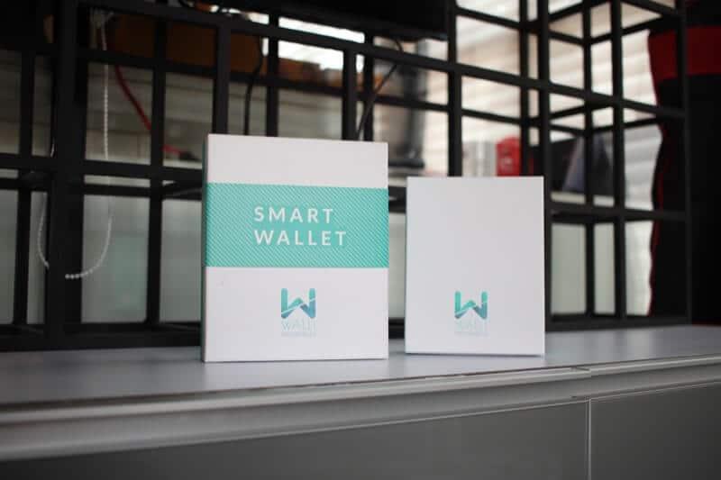 Walli Smart Wallet in Box