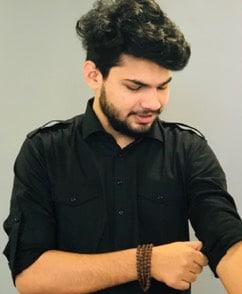 Yash Adhana, Content Creator at iGeeksBlog
