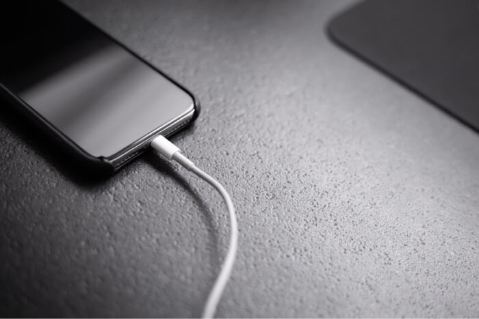 charge iphone with cable
