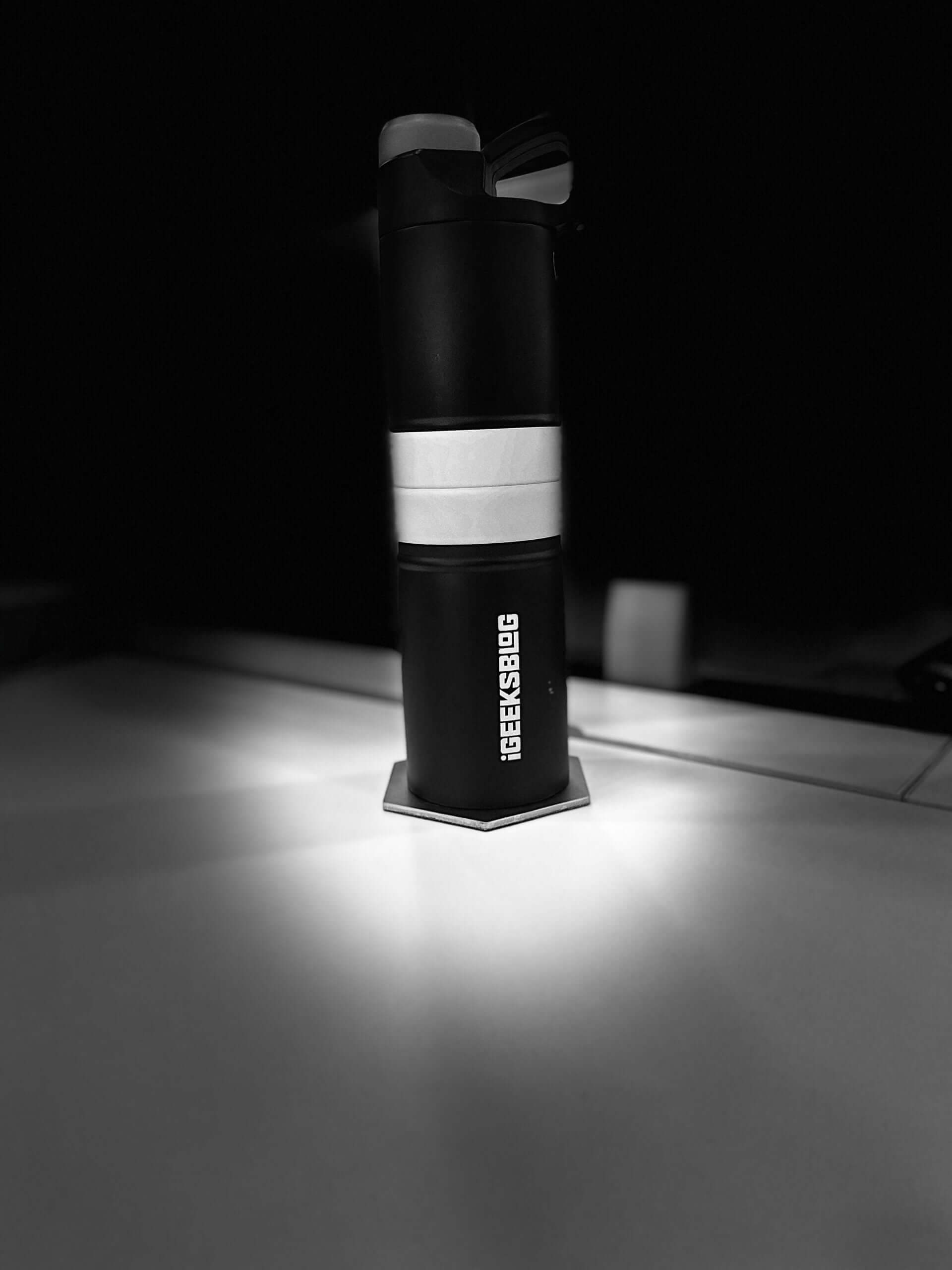 click photo with stage light mono effect on iphone