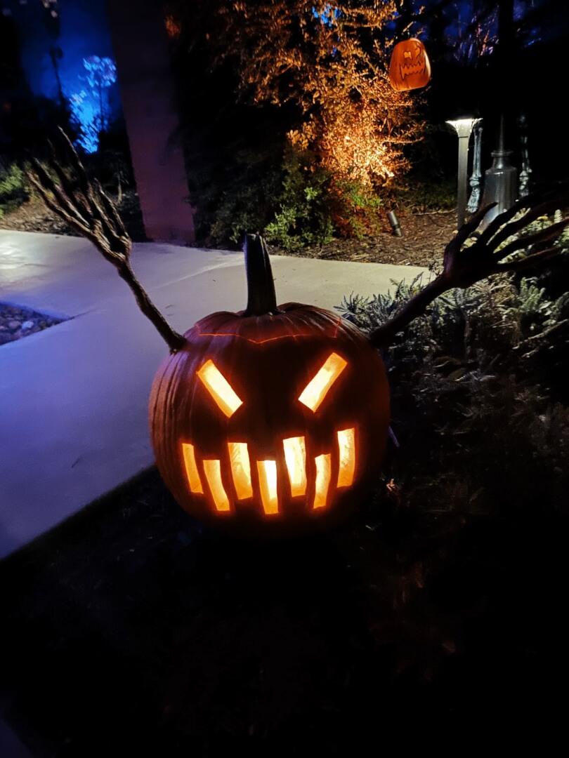 Halloween Lantern Wallpaper for iPhone