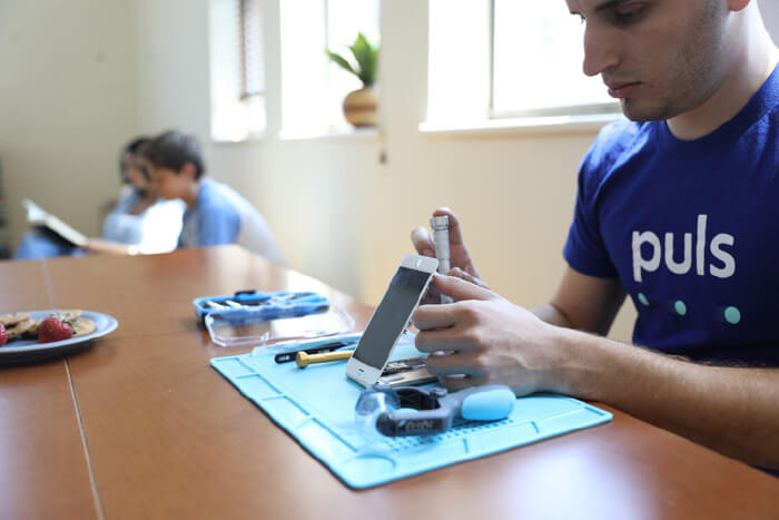iPhone Repair Home Service by Puls