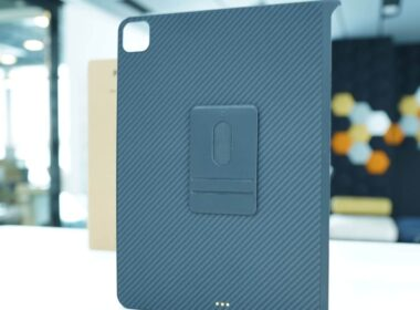 Pitaka MagEZ Magnetic Slim Case for iPad Pro and iPad Air