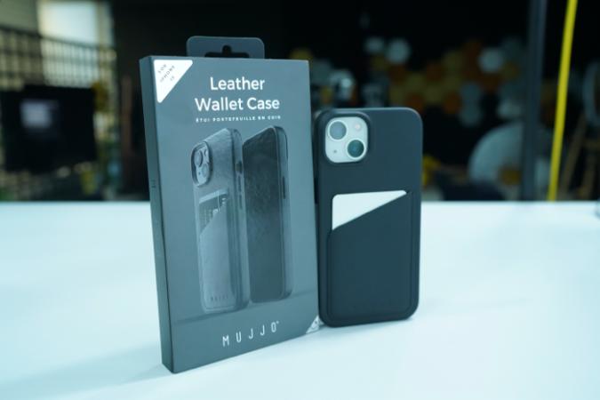 mujjo iphone 13 wallet case black